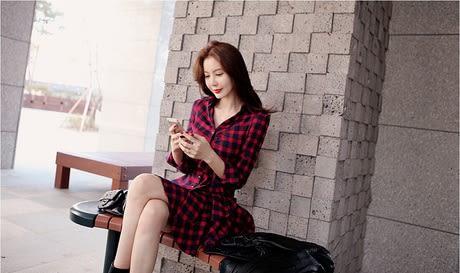 洋裝 新款修身長袖紅色格子氣質收腰秋冬款襯衫裙子春裝連身裙【全館免運85折】