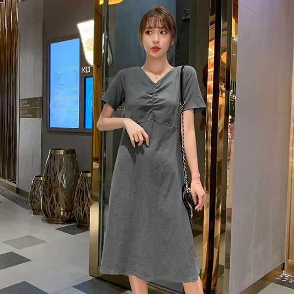洋裝 T恤洋裝女裝夏季長裙2020新款潮寬鬆顯瘦中長款過膝v領露背裙子