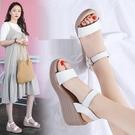 楔形鞋 坡跟涼鞋女2021夏季新款真皮休閒搭厚底涼鞋簡約時尚一字帶高跟鞋 韓國時尚 618