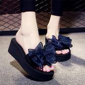 雙11搶購一字拖鞋 夏季涼拖鞋女外穿高跟一字拖蝴蝶結防滑坡跟厚底海邊度假沙灘鞋