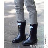 雨鞋女韓版可愛水鞋中筒秋冬時尚防水鞋套鞋防滑膠鞋戶外成人雨靴 ◣怦然心動◥