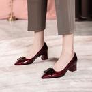 手工真皮女鞋34~41 2021新款牛皮亮面愛心平結扣尖頭中跟鞋 OL工作鞋~2色