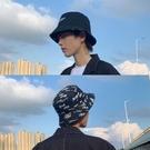 雙面戴漁夫帽男士潮人字母涂鴉韓版百搭青年夏季帽子男盆帽遮陽帽 3C優購