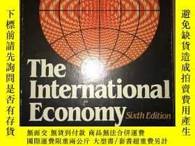 二手書博民逛書店Z47罕見The International Economy S