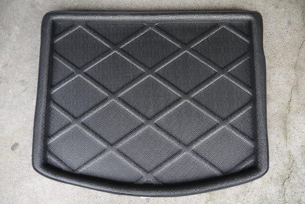 【吉特汽車百貨】第二代 福特 KUGA 專用凹槽防水托盤 防水墊 防水防塵 密合度極高