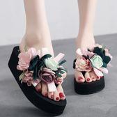 人字拖人字拖女夏新款花朵海邊防滑厚底外穿時尚坡跟涼拖沙灘鞋拖鞋麥吉良品