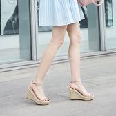 厚底涼鞋 草編坡跟涼鞋一字扣防水臺厚底超高跟露趾細帶鞋 巴黎春天