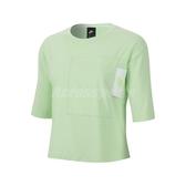 Nike 短袖T恤 NSW Tee 綠 白 女款 短T 短版 運動休閒 【ACS】 CT0875-376