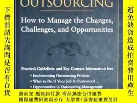 二手書博民逛書店the罕見black book of outsourcing:how to manage the changes