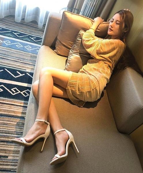 時尚白色一字扣帶涼鞋新款夏季百搭高跟鞋細跟黑色女鞋仙女風