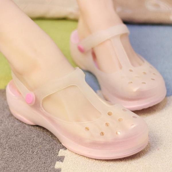 韓版厚底厚底楔形洞洞鞋女夏季防滑拖鞋瑪麗珍變色沙灘鞋軟底果凍涼鞋 夢幻小鎮