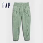 Gap女幼童 工裝風格鬆緊休閒長褲 599911-綠色