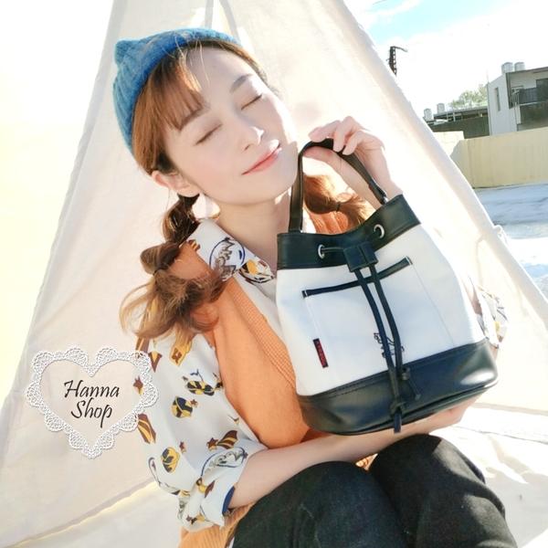《花花創意会社》韓國新款。KANGOL袋鼠包黑白皮革質感水桶包束口兩用包【H7106】