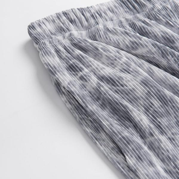 Queen Shop【04101556】波紋渲染細褶直條紋寬褲*現+預*