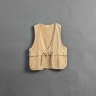 Queen Shop【02080060】口袋綁帶造型背心 兩色售 1/2*現+預*