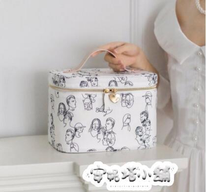 EACHY化妝包大容量手提化妝箱ins網紅女便攜旅行小號化妝品收納盒 夏季特惠