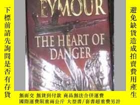 二手書博民逛書店英文原版罕見The Heart Of Danger by Ger