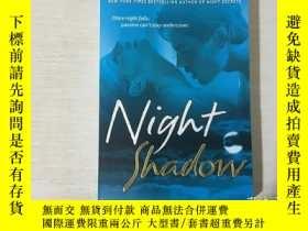 二手書博民逛書店Night罕見Shadow: A Novel 夜影(英文原版)Y