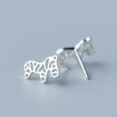 925純銀耳環(耳針式)-可愛鏤空簡約小斑馬生日情人節禮物女飾品73dr21【時尚巴黎】
