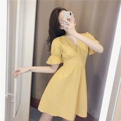 洋裝V領泡泡袖連身裙淡黃格子連身裙子超仙女收腰顯瘦氣質小個子2F-B131-A 韓依紡