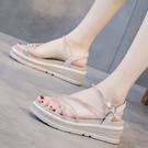坡跟涼鞋 厚底涼鞋女仙女風新款夏季時尚百搭水鑚網紅超火一字帶羅馬鞋
