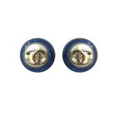 【台中米蘭站】全新品 CHANEL 藍邊珍珠雙C logo 圓形穿式耳環 ( 藍)