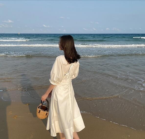 洋裝 2020夏季女新款桔梗法式泡泡袖收腰顯瘦白色氣質V領碎花洋裝子