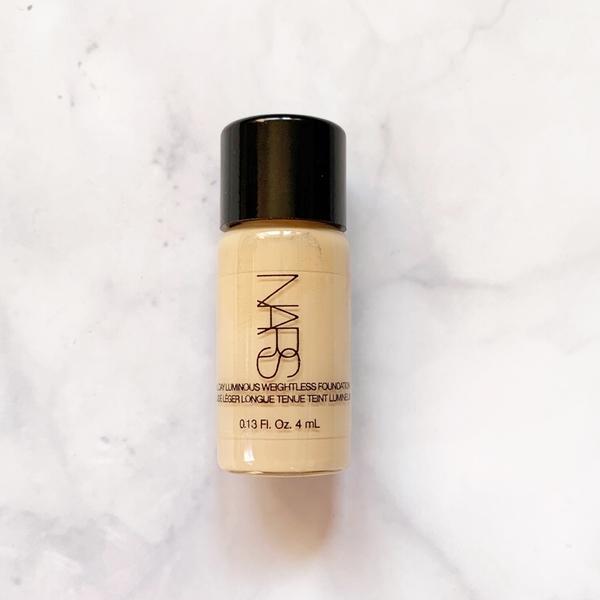 【台灣專櫃贈品】 NARS 裸光奇肌粉底液 4ml (Fiji/Deauville)