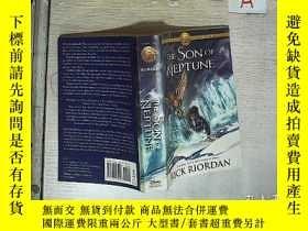 二手書博民逛書店Heroes罕見of Olympus, The, Book Two The Son of Neptune 波西 傑