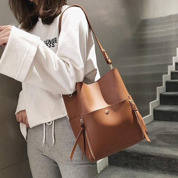 包包女包新款網紅同款簡約復古百搭斜背單肩托特包大容量軟皮 至簡元素