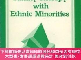 二手書博民逛書店Family罕見Therapy With Ethnic MinoritiesY255174 Man Keung