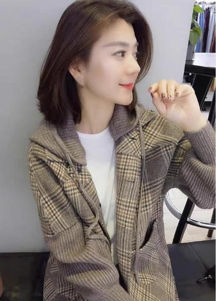韓版格紋毛呢連帽外套 中長版格子保暖大衣 時尚氣質針織單排扣女冬裝 帽子可拆卸/澤米