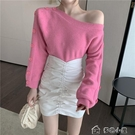針織上衣女針織衫秋季新款女長袖露肩套頭粉色毛衣韓版寬鬆外搭復古薄款上衣 快速出貨
