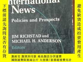 二手書博民逛書店CRISIS罕見IN INTERNATIONAL NEWS: policies and prospects (國際