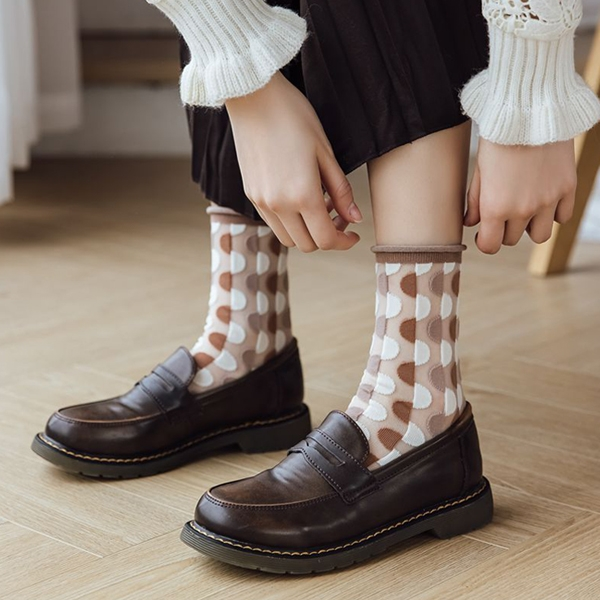OT SHOP[現貨]襪子 透膚絲襪 玻璃襪 中筒襪 奶茶色 大地色 普普風 兔子 花朵刺繡 個性 日韓系 M1140
