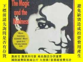 二手書博民逛書店硬精装罕見Michael Jackson The magic and madness 杰克逊《魔术与疯狂》Y1
