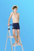 【M9212】梅林泳裝2020新品特價~男童藍色印船錨黃橘配條四角泳褲