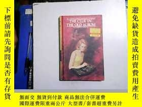 二手書博民逛書店The罕見Clue in the Old Album【編號:W