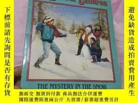 二手書博民逛書店THE罕見MYSTERY IN THE SNOW【THE BOX