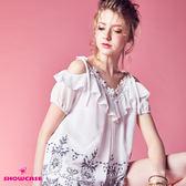 【SHOWCASE】唯美荷葉V領刺繡襬雪紡上衣(白)