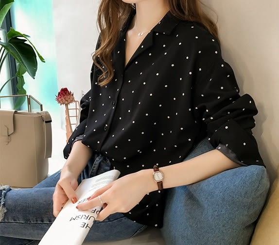 DE SHOP~(XA-8588)圓波點點印花前釦雪紡衫V領女上衣服寬鬆顯瘦內搭衫薄款長版襯衫
