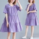 洋裝 中大尺碼女裝 胖妹妹2021夏裝新款復古文藝寬鬆顯瘦大碼V領棉麻短袖連身裙