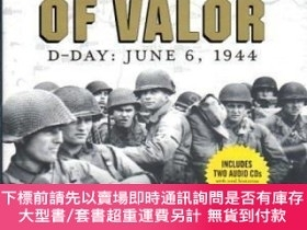 二手書博民逛書店Voices罕見of Valor: D-Day, June 6, 1944 (Includes 2 Audio C
