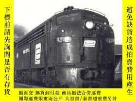 二手書博民逛書店The罕見Rail s of Southern New England: A Handbook of Railro