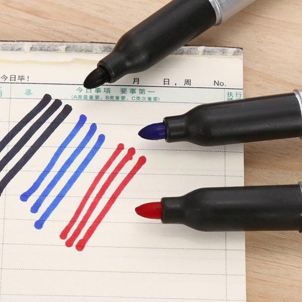【DF236】SD油性筆 奇異筆 『1支』 簽名筆 記號筆 (紅色) EZGO商城