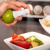 ♚MY COLOR♚手動水果檸檬噴霧器 廚房 西餐 料理 烹飪 烘焙 沙拉 提味 調味料 搾汁【J223】