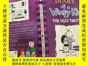 二手書博民逛書店diary罕見of a wimpy kid the ugly truth 一個懦弱的孩子的日記醜陋的 真相...,