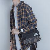 韓版時尚迷彩拼接單肩包休閒男士斜挎包帆布死飛騎行包戶外郵差包