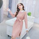 VK精品服飾 韓系氣質翻領釘珠腰帶針織長袖洋裝