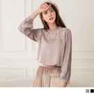 《AB14209-》浪漫甜美荷葉領蕾絲拼接壓褶拋袖上衣 OB嚴選